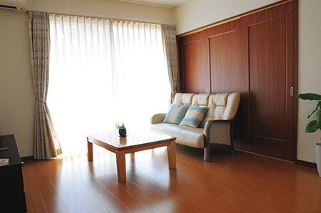 キッチン、ダイニング、リビングまでひとつながりに床暖房を設置