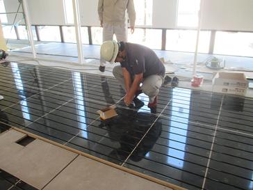 熊本県LPガス会館 温水床暖房 施工事例